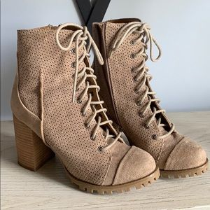 Report Adrian Lace-Up Boots